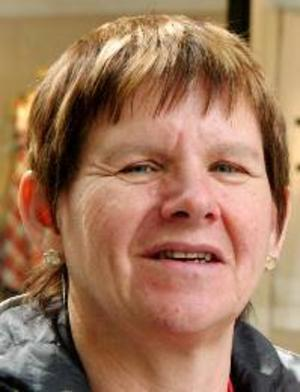 Birgitta Östlund, 56 år, Torvalla:– Ja, det ska jag göra. Jag tycker att det är praktiskt att förhandsrösta. Då slipper man gå till en vallokal.