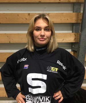 Olivia Dahlsten i SAIK-tröjan.