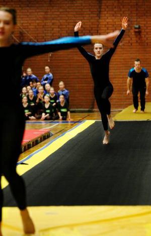 Östersunds gymnastikförening håller sig på mattan.