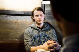 Jonathan Dahlén är nyligen hemkommen från draften och ett läger med Ottawa.