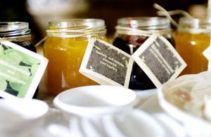 Det finns inte bara råvaror utan även marmelader med tydliga blandningar.