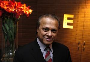 Hotellkungen Bicky Chakraborty.