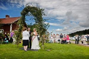 Ulrik och Jeanette gifter sig på Ånnaboda camping.