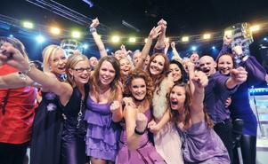 Team Hanna sjunger i tv 4 från Skansen på nationaldagen.