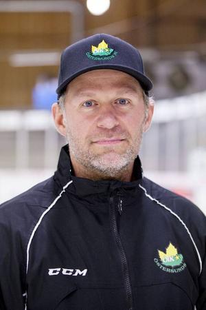 Markus Åkerblom berättar att trivselfaktorn hos ÖIK aldrig varit högre under året än just nu.