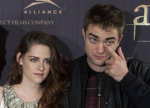 Kristen Stewart och Robert Pattinson spelar Bella och Edward i