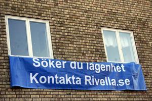 Rivella fastigheter i Krylbo har de senaste månaderna fått 50 nya hyresgäster. Claes Örtegren, Omiagruppen AB, anser att det är ett tecken på den goda trend som finns för hyres-husen. Han förnekar att det är samma ägare som Dalstjärnan som finns med i ägarbilden för Rivella.