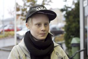 Linda Bergqvist, 22 år, Hudiksvall:– Faktiskt inte. Bältet har blivit en vana.