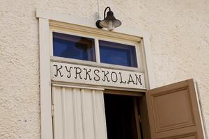 Under helgen är det konstutställningen i Hölö kyrkskola.