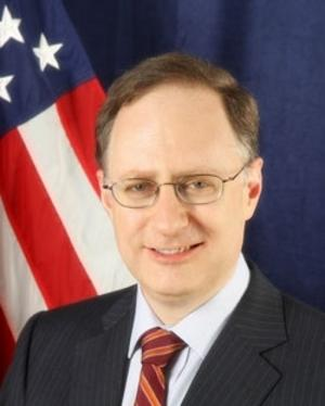 Alexander Vershbow, assistant secretary of defence för international security affairs, är USA:s representant på toppmötet i Örebro.