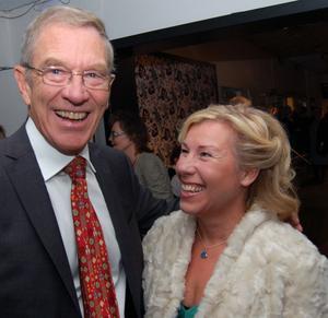 Kirurgläkaren Johanna österberg träffade sin mentor Rolf Heuman. Med tanke på lasarettets 100- år kunde Johanna berätta om färskt pilotprojekt. I dagarna var Mora en av de första lasaretten i landet där läkarna bar 3-D glasögon i samband med en kirurgisk titt-håls operation