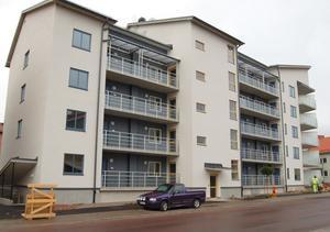 41 av de 42 lägenheterna i det nya huset i kvarteret Valhall har fått hyresgäster.
