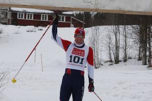 Gustav Nordström körde bra i Vasaloppet tidigare i vinter. Nu lyckades han vinna Pilgrimsloppet för första gången.