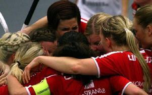 KAIS Mora drog till slut det längsta strået när Sara Kristoffersson prickade in segermålet5–4 i förlängningen. foto: Håkan Eriksson