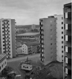 """Visionen om ett folkhem i miniatyr. I """"ABC-staden"""" skildrar Måns Wadensjö satellitstadens framväxt."""