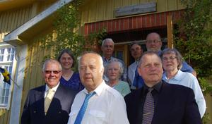 150 år. Det firade Bonäs Baptistförsamling i helgen. Här ses några av de många närvarande inför lördagens konsert. Frän vänster längst ned Owe Lindeskär, Åke Sjögren och Robin Malm, led två Källhus Margareta Jonsson, Margit Nygren och Källhus Siv Sjögren samt led tre Ingvar Svan, Olle Köpman och Christer Kallin.