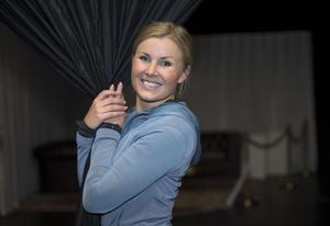 Dansbandssångerskan Elisa Lindström gör huvudrollen i