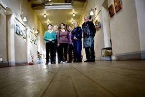 De glada konstnärerna Stina Nyström, Marianne Samuelsson, Eine Hillberg, Elsy Petersson, Hans Åhrlin och Lennart Sundberg. Sonja Gottfredsson saknades vid fototillfället.