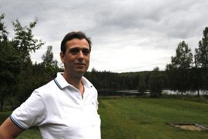 Claudio Skubla, från Taxiförbundet tycker att de glesbygdsbor som inte kan åka bussen till närorter ska få åka taxi istället.