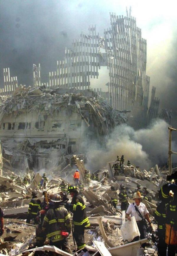 Decenniet var i världsmåttstock mätt på alla sätt miserabelt. President Bushs hårresande svar på terrorattackerna mot New York skapade två krig som ännu pågår. Valet av Barack Obama till USA:s president blev dock en ljuspunkt, menar LT:s ledarskribent.   Foto: Scanpix/AP