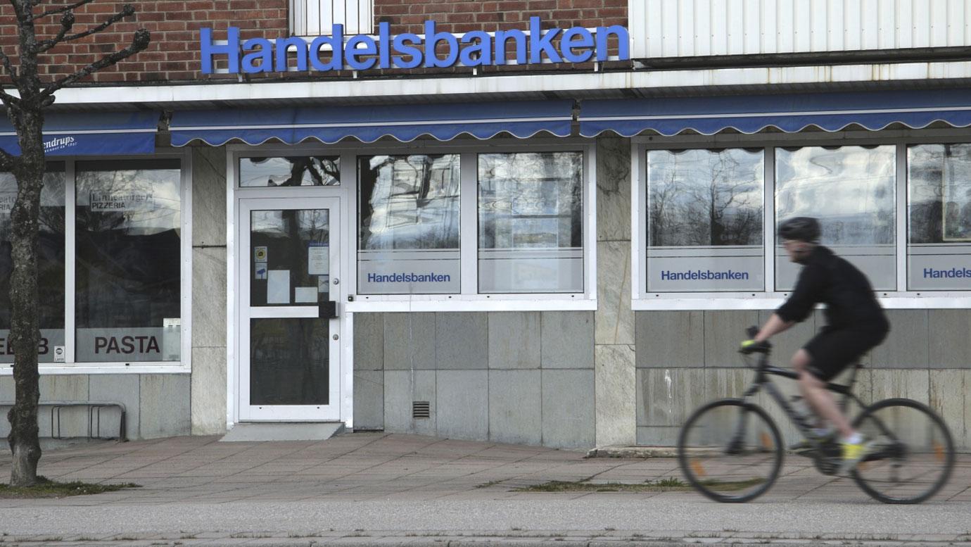 Handelsbanken tar in pengar