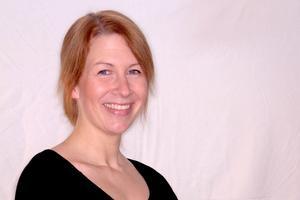 Lisa Ahlstedt har många minnen från Folkparken i Hede. Och hoppas på en lugn lördagskväll.
