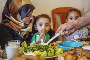 Sabina Ali med Abdullah Mohammad och Hanan.