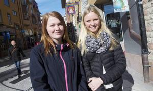 Jennie Herrdin och Karin Åström hade åkt upp från Sveg till Östersund för att gå på Unga företagaremässa. De blev inte lurade av årets aprilskämt från Tidningen Härjedalen (som publicerades i LT) om att flytta Svegsbjörnen och att bygga en rondell.