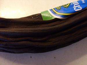 Hittade denna mumifierade banan i våran slyngels kylskåp...