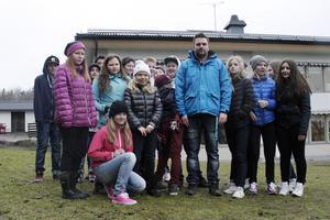 Fritidsledaren Tony Zetterqvist och klass 6 i Parkskolan har lärt sig mer om facebooks kraft och fara.