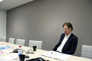 Björn Ryd, petad vd för Svenska kommun försäkrings AB, har åkte taxi hem från spritfesten på Clarion i Gävle.