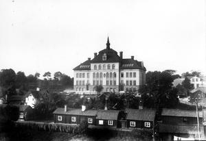 1902 invigde Västerås flickskolans nya lokaler på Mariaberget.
