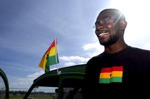 Vilken upplevelse. – Det här är den häftigaste resa jag någonsin har gjort, säger en lycklig Yahaya Suberu. Han har snabbt funnit sig tillrätta bland alla Citroënfantaster, efter att ha färdats ända från Ghana i sin bil. Foto:Johan Larsson