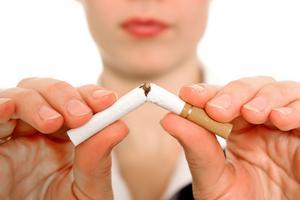 Att röka är botten för huden: En 40-åring som rökt i 20 år har en hud som motsvarar en 55-åring som inte har rökt.