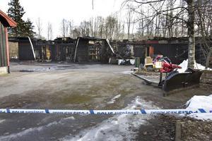 Kostade mest. Den enskilt största skadekostnaden, 3,6 miljoner kronor, var för en a v de anlagda bränderna. Det var förrådsbyggnaden vid dagiset Gunghästen i Sätra som tre tonårspojkar tände eld på 19 februari.
