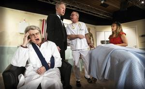 En nervös neurolog, en övernitisk översköterska och en död som inte är riktigt död är några av karaktärerna.