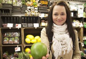 Frida Falk Ögren från Frösön äter mycket frukt, mest de som är i säsong och som är prisvärda, som nu exempelvis apelsiner. Hon köper vilka äpplen som helst men undviker frukt från Israel på grund av politiska skäl. Hennes favoritfrukter är mango och vattenmelon. Hon köper gärna ekologiska frukter men inte när det skiljer för mycket i pris. Frida äter tre till fyra frukter per dag.