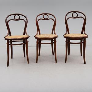 Thonet-stolarna klubbades för 3000 kronor på Bukowskis Market.