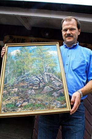 Eric Lindh bjuder in till sin 19:e antikmarknad. Givetvis finns tavlor av Hj Trafvenfelt med på lördagens auktion.
