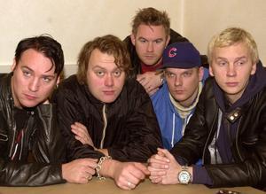 Kent år 2000, då gitarristen Harri Mänty (tvåa från höger) var en del av bandet.
