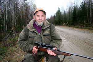 Rune Ström har fått en myr vid Näveråsen uppkallad efter sig.  Vid