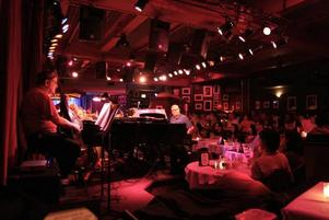 Klassisk klubb. Chico O´Farrill Afro-Cuban Jazz Orchestra spelar på Birdland.