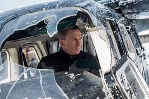 Daniel Craig spelar på nytt James Bond i