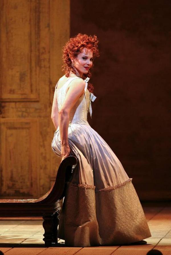 Elina Garanca gör Askungen  i kvällens digitala opera från Metropolitan i New York.Foto: Marty Sohl