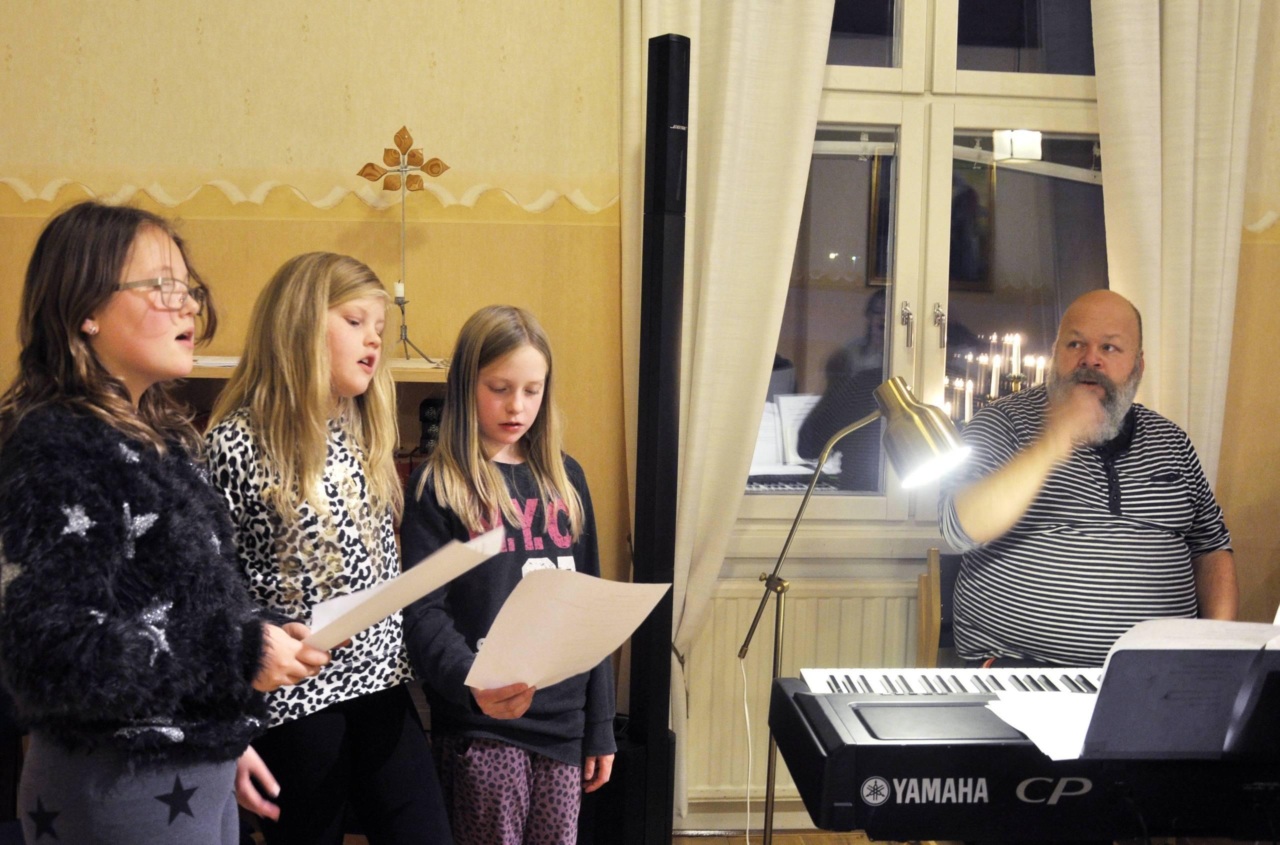 Rebecka sjunger ut i solo