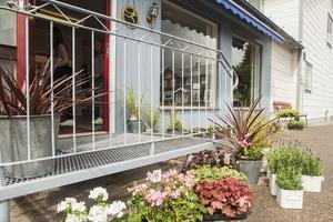 Hede blomsterhandel har fått en ny ägare och en ny lokal på Storgatan 12.