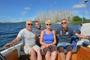 Från vänster: Mikael Andersson, Eva Olsson och Robin Westberg, längst bak Thomas Hasselblad. Alla är medlemmar i gruppen