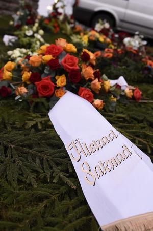 Blomsterkrans. På begravning.