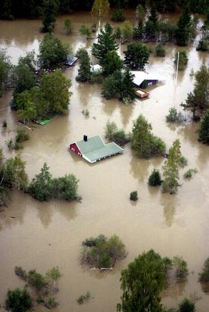 Hösten 2001 drabbades Medelpad av stora översvämningar. Det ledde till stor förstörelse på många håll.
