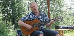 Janne Olsson var en av de medverkande. Hans reportoar innehöll bland annat Dan Andersson. Foto: Lova Jansson